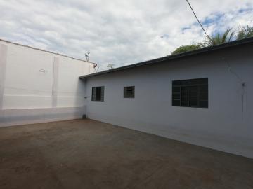 Alugar Casa / Padrão em Botucatu R$ 2.500,00 - Foto 24