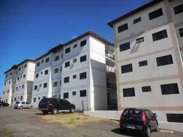 Apartamento / Padrão em Botucatu Alugar por R$700,00