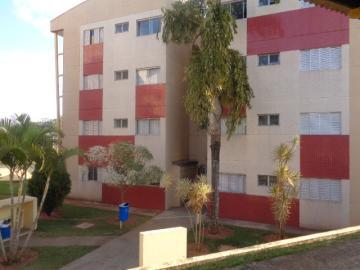 Apartamento / Padrão em Botucatu Alugar por R$1.150,00