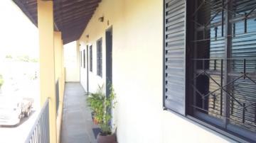 Apartamento / Padrão em Botucatu Alugar por R$600,00