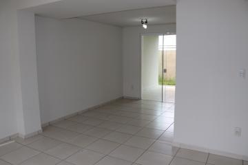 Casa / Condomínio em Botucatu Alugar por R$2.000,00
