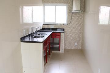 Casa / Padrão em Botucatu Alugar por R$2.300,00