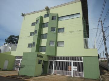 Apartamento / Padrão em Botucatu Alugar por R$860,00