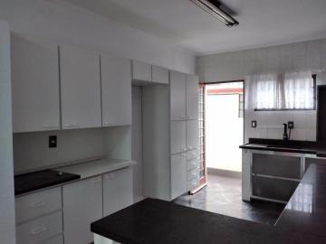 Comprar Casa / Padrão em Botucatu R$ 400.000,00 - Foto 6