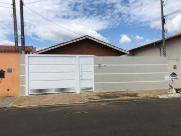 Alugar Casa / Padrão em Botucatu. apenas R$ 350.000,00