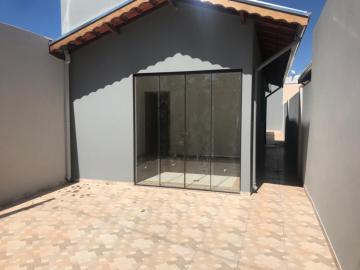 Alugar Casa / Padrão em Botucatu. apenas R$ 190.000,00