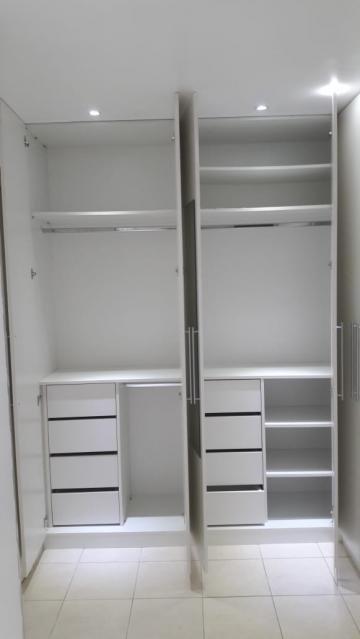 Comprar Apartamento / Padrão em Botucatu R$ 140.000,00 - Foto 8