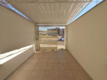 Casa / Padrão em Botucatu Alugar por R$680,00