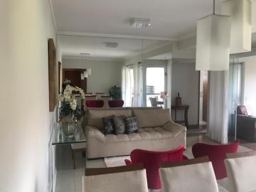 Alugar Apartamento / Padrão em Botucatu. apenas R$ 710.000,00