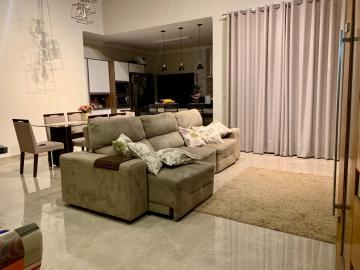 Alugar Casa / Padrão em Botucatu. apenas R$ 690.000,00