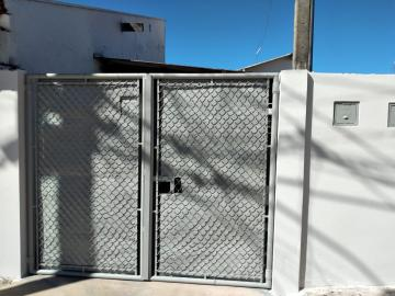 Casa / Padrão em Botucatu Alugar por R$500,00