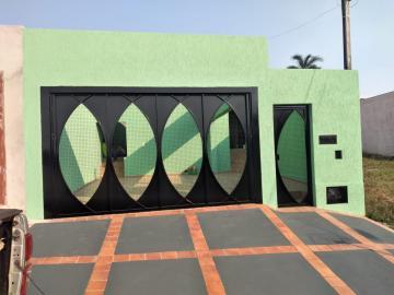 Casa / Padrão em Botucatu Alugar por R$1.390,00