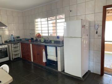 Comprar Casa / Padrão em Botucatu R$ 700.000,00 - Foto 9
