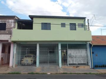 Casa / Padrão em Botucatu Alugar por R$600,00