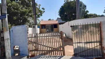 Alugar Casa / Padrão em Botucatu. apenas R$ 850,00