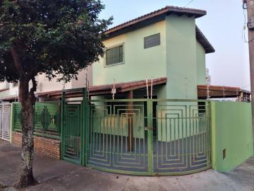 Casa / Sobrado em Botucatu Alugar por R$1.000,00