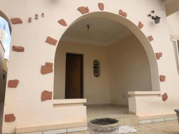 Alugar Casa / Padrão em Botucatu. apenas R$ 700.000,00