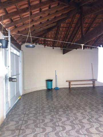 Alugar Casa / Padrão em Botucatu. apenas R$ 260.000,00