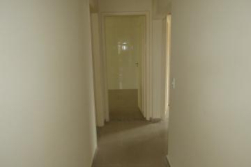 Comprar Apartamento / Padrão em Botucatu R$ 265.000,00 - Foto 6
