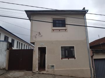 Comercial / Casa Comercial em Botucatu Alugar por R$1.400,00
