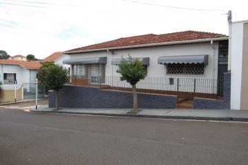 Casa / Sobrado em Botucatu Alugar por R$1.500,00