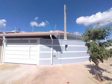 Casa / Padrão em Botucatu Alugar por R$1.850,00