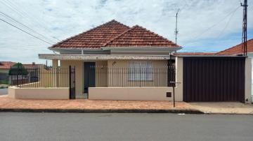 Casa / Padrão em Botucatu Alugar por R$1.200,00