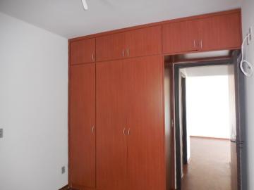Alugar Apartamento / Padrão em Botucatu R$ 1.400,00 - Foto 9