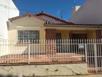 Alugar Comercial / Casa Comercial em Botucatu. apenas R$ 2.500,00