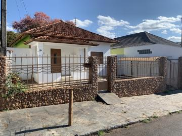 Alugar Casa / Padrão em Botucatu. apenas R$ 1.140,02