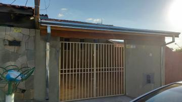 Alugar Casa / Padrão em Botucatu. apenas R$ 1.100,00