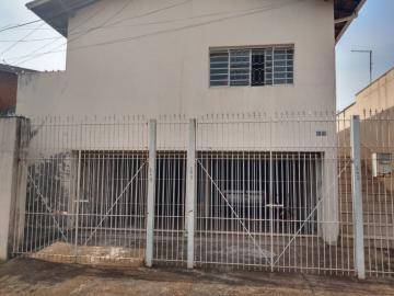 Alugar Casa / Padrão em Botucatu. apenas R$ 550,00