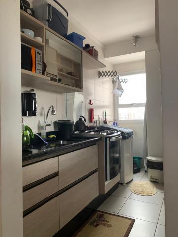 Comprar Apartamento / Padrão em Botucatu R$ 370.000,00 - Foto 2