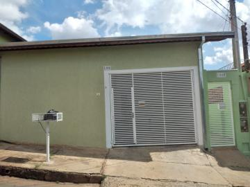 Casa / Padrão em Botucatu Alugar por R$830,00
