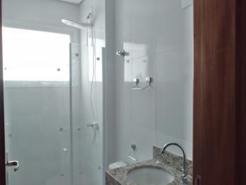 Alugar Apartamento / Padrão em Botucatu R$ 2.000,00 - Foto 10