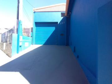 Comercial / Galpão - Barracão em Botucatu Alugar por R$1.300,00