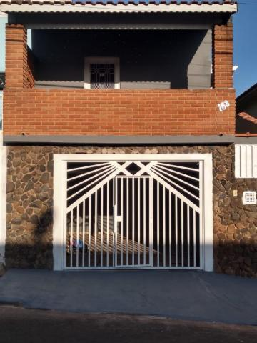 Casa / Padrão em Botucatu Alugar por R$1.100,00