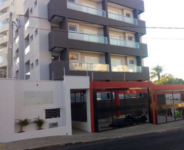 Apartamento / Padrão em Botucatu Alugar por R$1.400,00