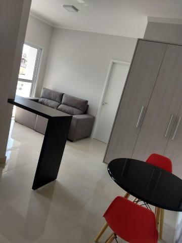 Apartamento / Mobiliado em Botucatu Alugar por R$1.400,00