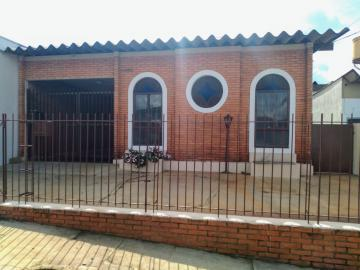 Casa / Padrão em Botucatu Alugar por R$1.800,00