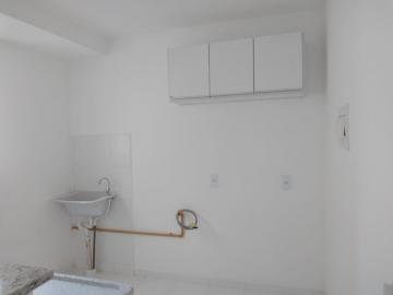 Alugar Apartamento / Padrão em Botucatu R$ 700,00 - Foto 5