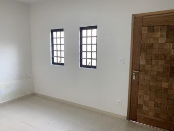Alugar Comercial / Casa Comercial em Botucatu R$ 3.500,00 - Foto 3