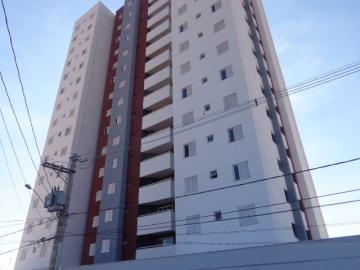 Apartamento / Padrão em Botucatu Alugar por R$1.300,00