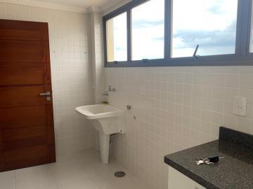 Comprar Apartamento / Padrão em Botucatu R$ 700.000,00 - Foto 8