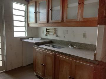 Comprar Casa / Padrão em Botucatu R$ 450.000,00 - Foto 4