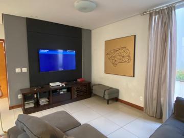 Alugar Casa / Sobrado em Botucatu. apenas R$ 830.000,00