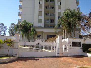 Alugar Apartamento / Padrão em Botucatu. apenas R$ 650.000,00