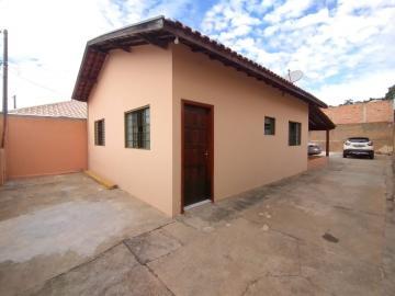 Alugar Casa / Padrão em Botucatu. apenas R$ 240.000,00