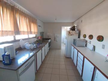 Alugar Apartamento / Mobiliado em Botucatu R$ 3.600,00 - Foto 5