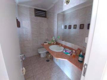 Alugar Apartamento / Mobiliado em Botucatu R$ 3.600,00 - Foto 20